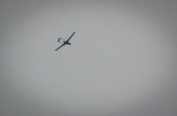Afrin şehir sınırında SİHA'lar keşif uçuşunda