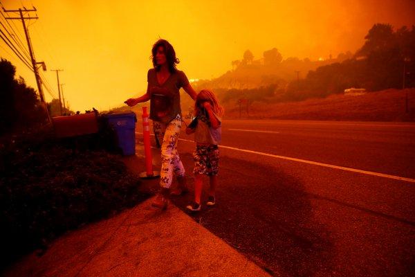 Kaliforniya'da dev yangın: 23 kişi hayatını kaybetti