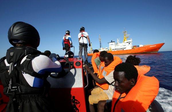 Mülteciler kaderlerine terkedildi