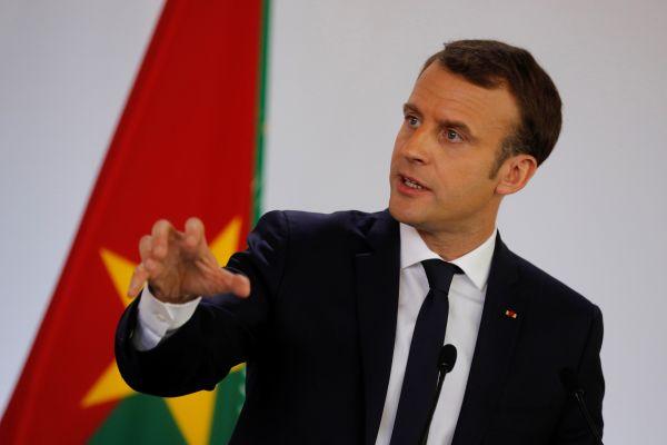 Macron'dan Burkina Faso'da tuhaf davranışlar