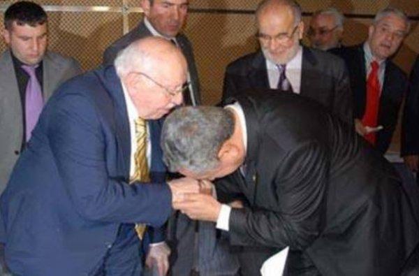 Bülent Arınç Erbakan üzerinden günah çıkartıyor