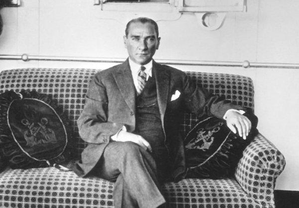 Atatürk'ün doğum günü Kral Edward'ın merakıyla belirlendi