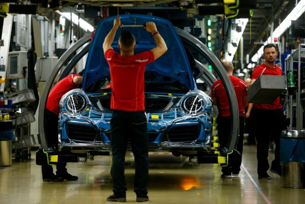 ABD'de Alman oto üreticilerine vergi kâbusu