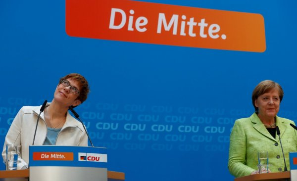 Almanya'da anket sonuçları: Irkçı parti AFD ikinci