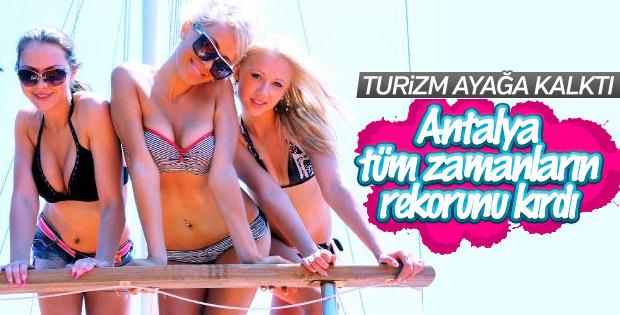 Antalya turist rekorunu tazeledi