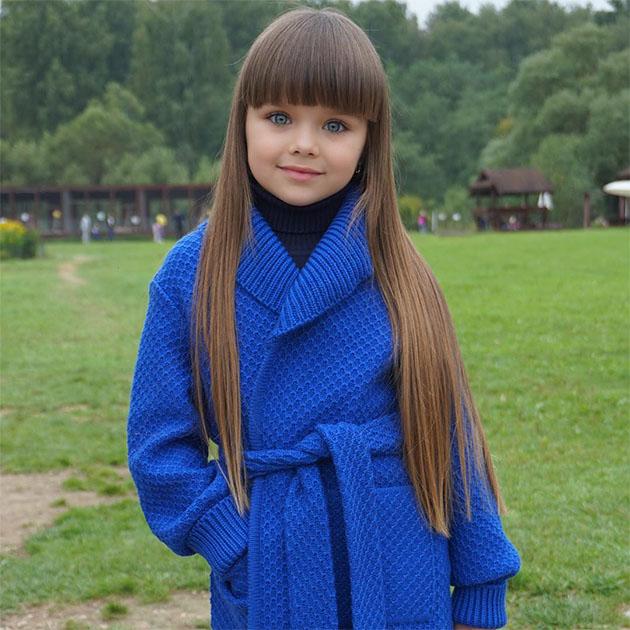 6 yaşında dünyanın en güzel kızı seçildi