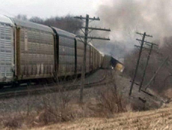 New York'ta yük treni raydan çıktı