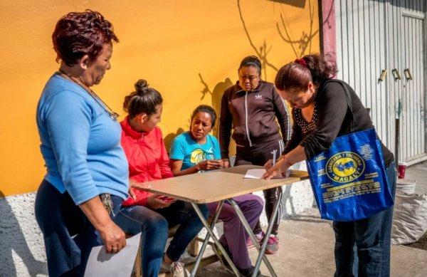 Mexico City'de kadınlar su idaresine el koydu