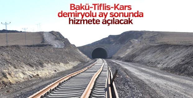 Bakü-Tiflis-Kars demiryolu ay sonunda hizmete açılacak