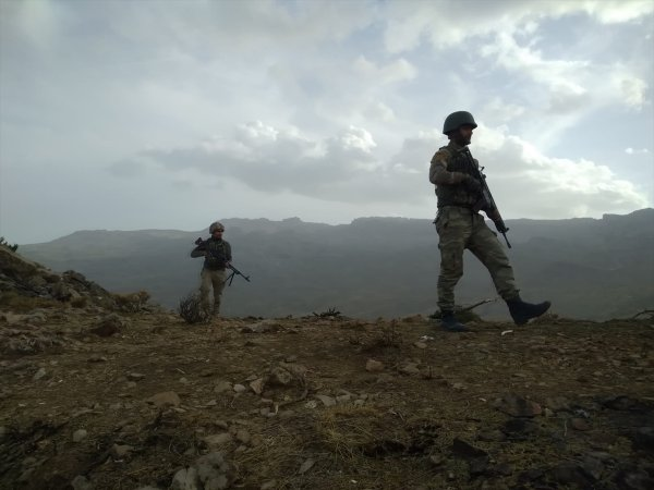 Herekol Dağı'nda terörle mücadele ekipleri göz açtırmıyor