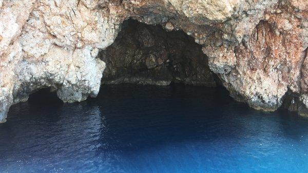 Mavinin her tonuyla bir doğa harikası: Suluada