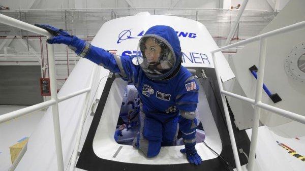 SpaceX ile Boeing uzaya uçuracak