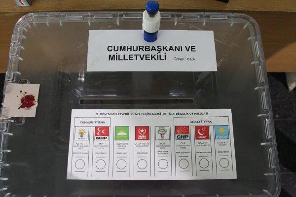 Sınır kapılarında oy verme işlemi başladı