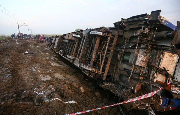 Çorlu'daki kazada treni kullanan 2 makinist gözaltında