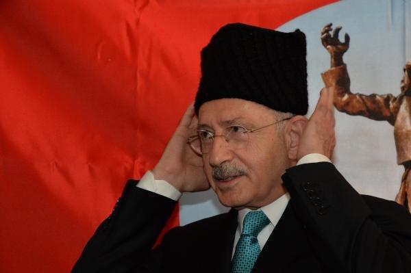 Kılıçdaroğlu kalpak taktı