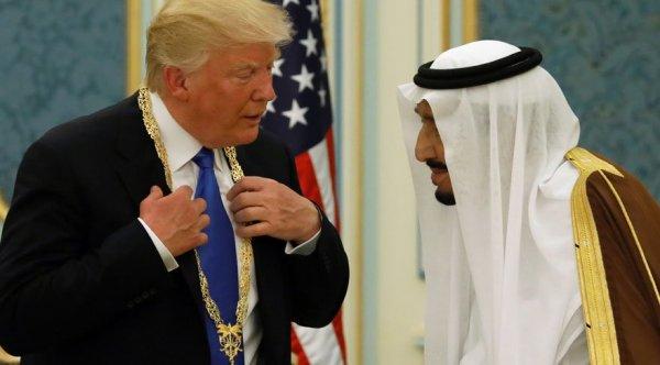 Trump'tan Suudi Arabistan Kralı'na: Biz olmasak 2 hafta