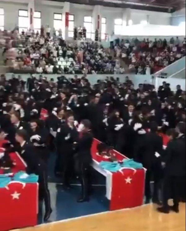 POMEM mezuniyet töreninde Diriliş müziği çaldı
