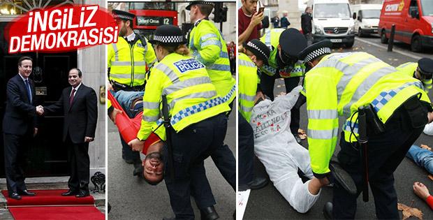 Sisi'ye Londra'da protesto