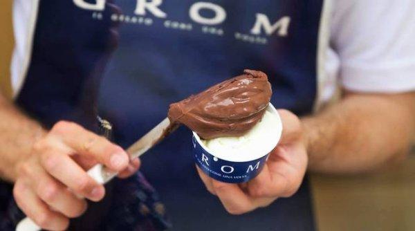 Roma'da dondurma rotanız