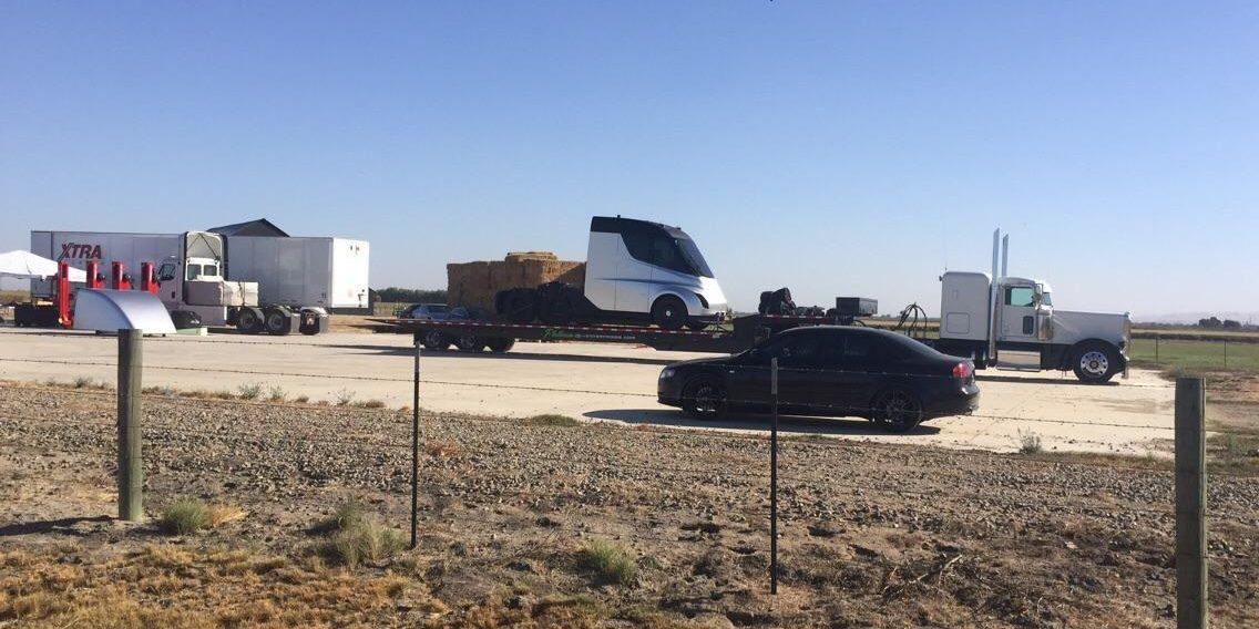 Elon Musk'tan elektrikli kamyon duyurusu