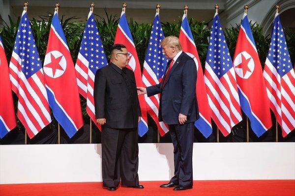 Trump ile Kim Jong-Un'un tarihi buluşması