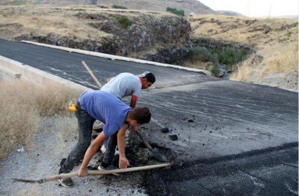 Van'daki Şeytan Köprüsü'ne dökülen asfalt kazındı