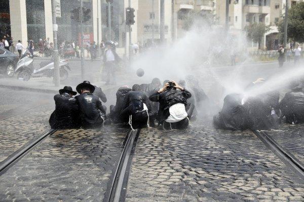 Ultra Ortodoks Yahudilerinden askerlik karşıtı eylem