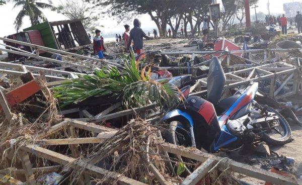 Endonezya'da 7,7'lik deprem sonrası ölü sayısı artıyor
