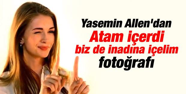 Yasemin Allen'dan sigara içen Atatürk paylaşımı