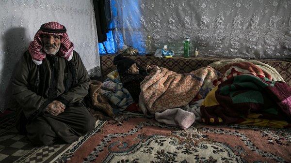 PKK'nın yaraladığı annesini sırtında taşıdı