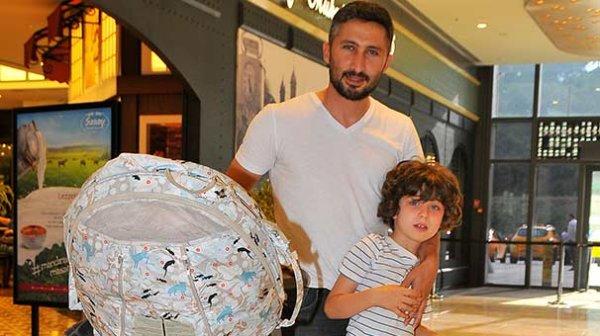 Sabri Sarıoğlu: Yağmur işte, çocuklar bana kaldı