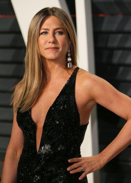 Jennifer Aniston Doğurmayan Kadınlar Defolu Muamelesi G 246 R 252 Yor
