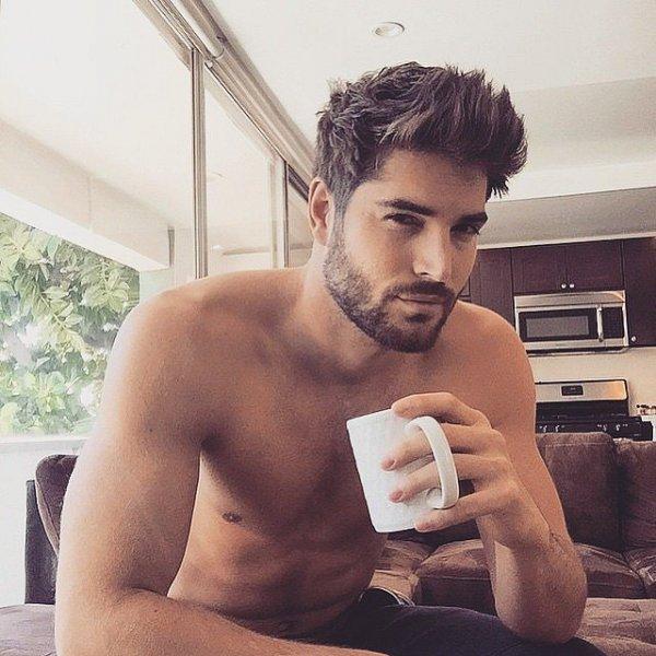 Instagramın Yeni Fenomeni Kahve Içen Erkekler