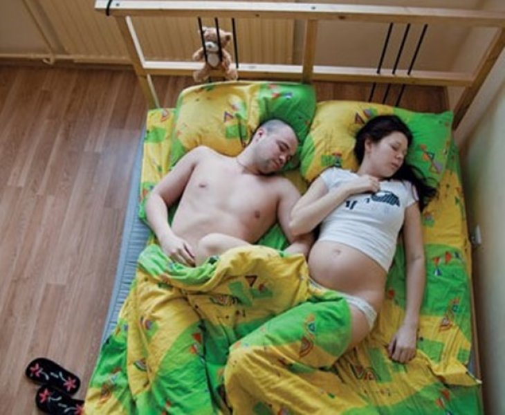 britie-podsmatrivanie-v-spalne-smotret-seks