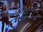 Hülya Avşar kendine yeni araba baktı