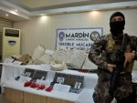 Turkish police seize a car full of bombs and explosives in Mardin
