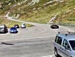 Lamborghini'nin gazına gelip takla atan sürücü