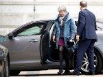 İngiltere Başbakanı'nın koltuğu sallanıyor
