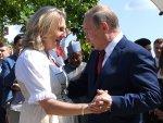 Putin'in Avusturya Dışişleri Bakanı yla dansı