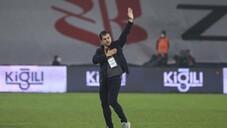 Emre Belözoğlu ilk maçında galibiyet aldı