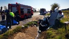Manisa'da otomobil yol kenarındaki menfeze çarptı: 3 ölü