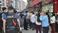 Şırnak'ta çocukları PKK tarafından kaçırılan aileler, HDP binası önünde eylem yaptı
