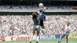 Maradona: İngiltere'ye bir de sağ elimle gol atmak isterdim