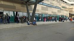 Bursa'da metrelerce koronavirüs kuyruğu