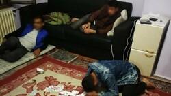 Düzce'de kumarhaneye çevrilen evde 16 yabancı yakalandı