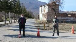 Amasya'da muhtar köyünü karantinaya aldı