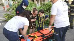 Denizli'de üzerine ağaç devrilen çocuk iğneden korktuğu için ambulansa binmedi