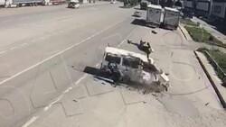 Amasya'da motosikletten fırlayıp minibüsün üstüne düştü