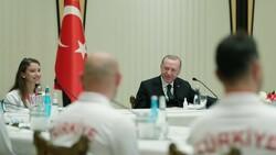 Cumhurbaşkanı Erdoğan başarılı cimnastikçileri kabul etti