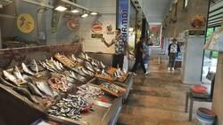 İzmit'te müsilaj, müşterinin ayağını balık pazarından kesti